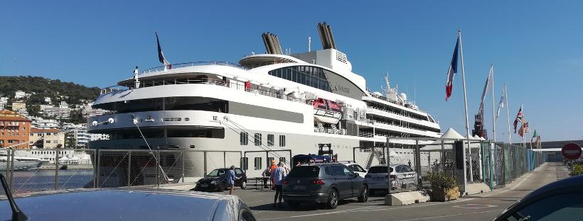 Le Lyrial dans le port de Nice