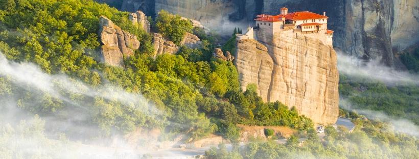 Hissez les voiles pour les Météores de Grèce