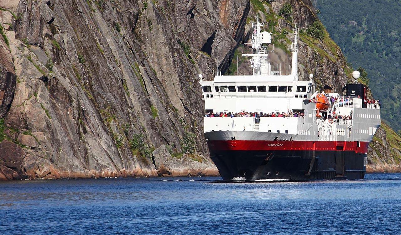 >DESTOCKAGE croisieres.FR Bergen - Kirkenes - Bergen avec accompagnateur français