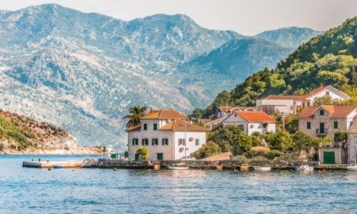 rivages de Kotor au Monténégro