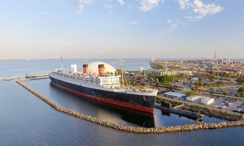 Le Queen Mary 2 au port