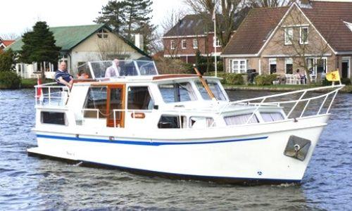 bateau les Canalous de la flotte Low Cost sur l'eau