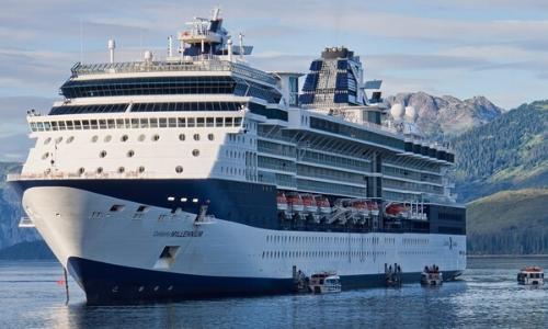Bateau Millenium de la compagnie Celebrity Cruises naviguant