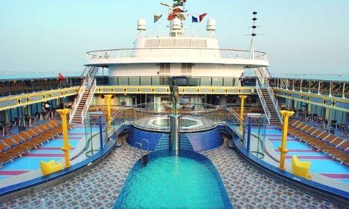 Pont supérieur du bateau Costa Mediterranea