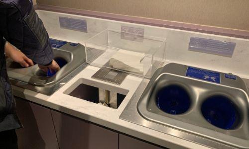 Le système de lave mains du Costa Smeralda en action