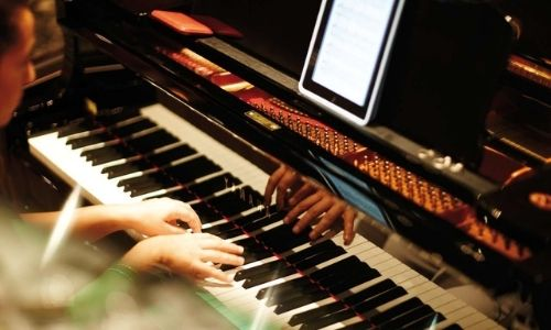 piano authentique sur un bateau de croisière