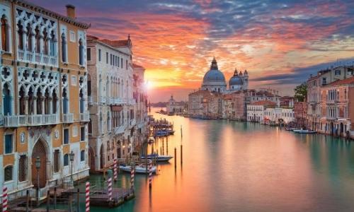 Venise, vue sur le Grand Canal, monuments, habitations