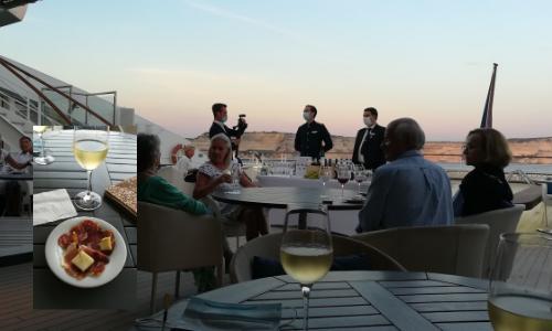 Dégusation de charcuterie Corse sur le pont piscine