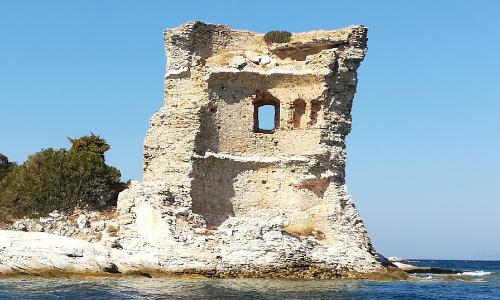 Ruines de la Tour de la Mortella