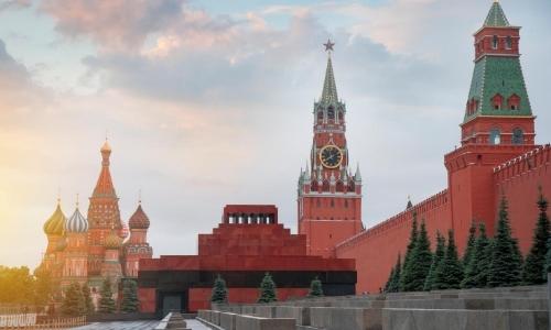 Forteresse à Moscou, couleur rouge, architecture typique de la Russie