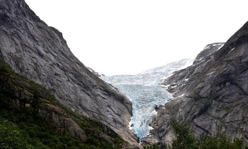 Le massif du Jostedal, glacier en plein coeur d'une formation rocheuse