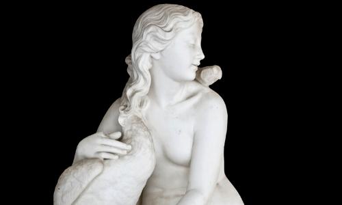 Statue d'Aphrodite, tenant un Cygne dans ses bras