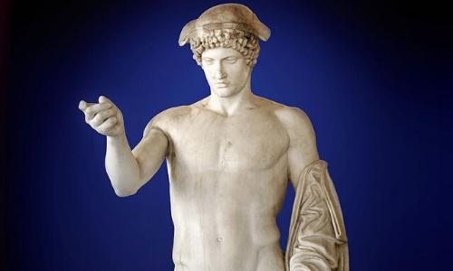 Statue de Hermes, levant sa main droite et montrant du doigt devant lui