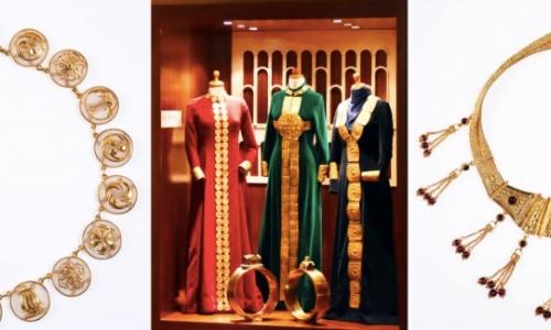 Pièces de Musée Lalaounis avec habits et bijoux