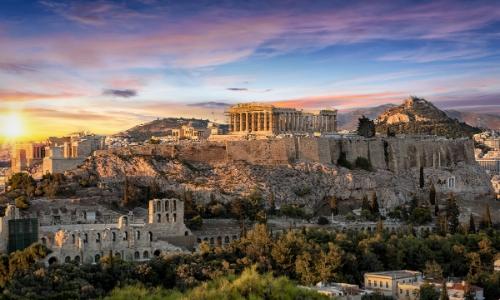 Vue sur l'Acropole d'Athènes avec le Parthénon en son sommet