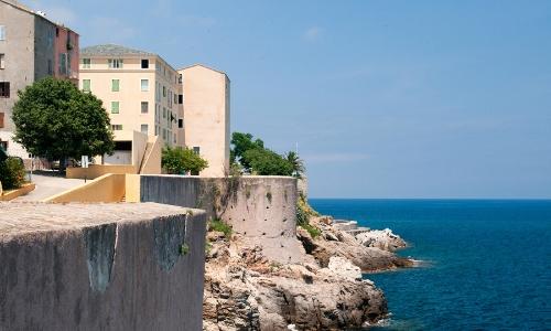 La citadelle de Bastia et ses remparts, site historique