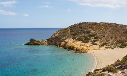 La plage Vaï, sable blanc, rochers, ambiance nature