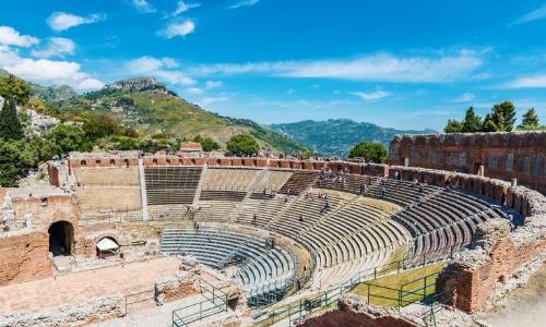 Vue du théâtre en plein air de Taormine