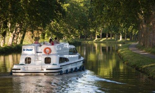 Bateau sans permis LeBoat sur le Canal du Midi