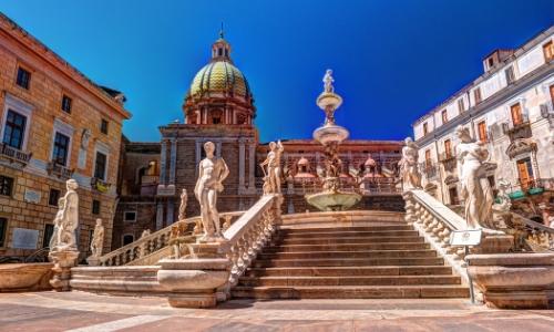 Photo de la place de la honte à Palerme, avec fontaine