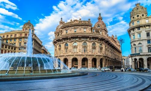 Vue sur la fontaine de la Piazza de Ferrari à Gènes
