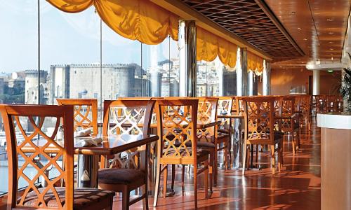 Restaurant vue extérieur à bord du MSC Musica