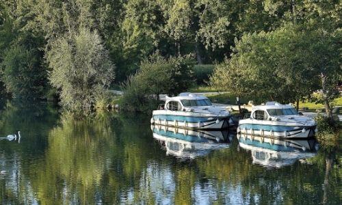 bateaux Nicols sur un canal en France