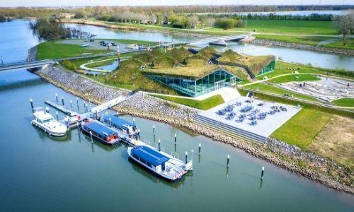 base nautique vue du ciel de bateaux Nicols