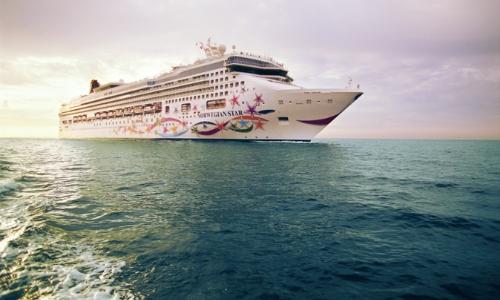 Vue sur le navire Norwegian Star en mer