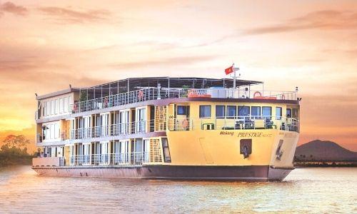 Bateau mekong Prestige sur un fleuve