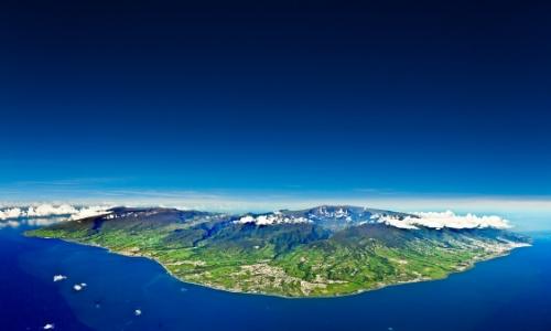 Vue aérienne sur l'ensemble de l'île de La Réunion