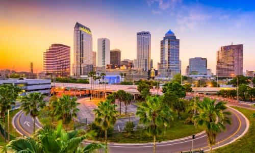 Photo de la ville de Tampa en Floride avec ses gratte-ciels