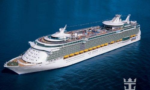 bateau de croisière Royal Caribbean en pleine mer