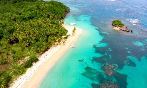 Paysage aérien d'une île des Caraïbes