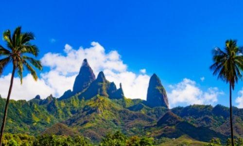 Le mont Ouave de l'île d'Ua Pou