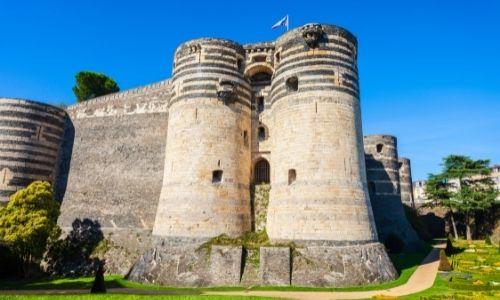 Le château d'Angers, ses remparts et ses tours
