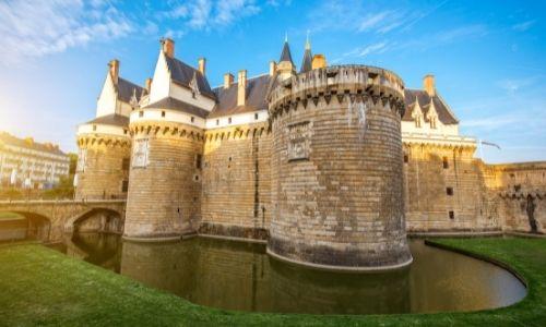 Le château des ducs de Nantes, ses remparts et ses tours