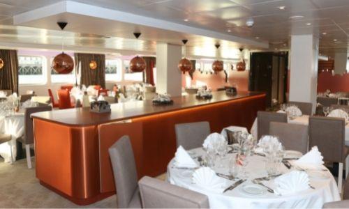 Le restaurant du MS Loire Princesse