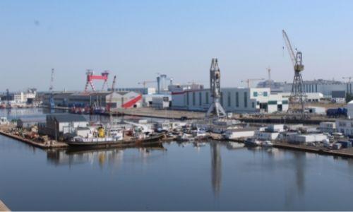 Les chantiers d'Atlantique et leurs grues