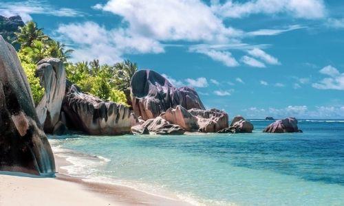 Plage des Seychelles et ses rochers fantastiques