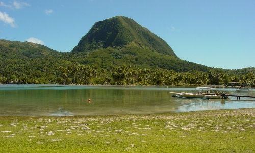 Le lac de Fa'una Nui à Huahine