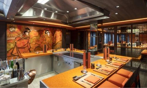 Restaurant de bord à thème asiatique