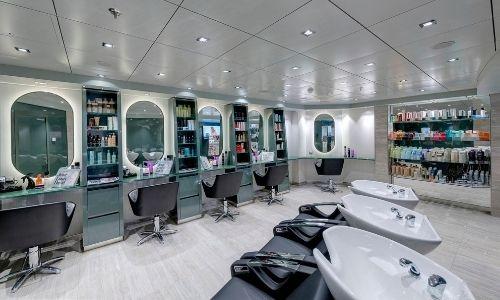 Le salon de coiffure d'un navire de croisière