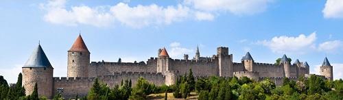 Les remparts de la cité de Carcassonne vues de face