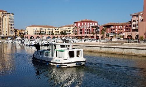 Base de location Locaboat au port de Lattes