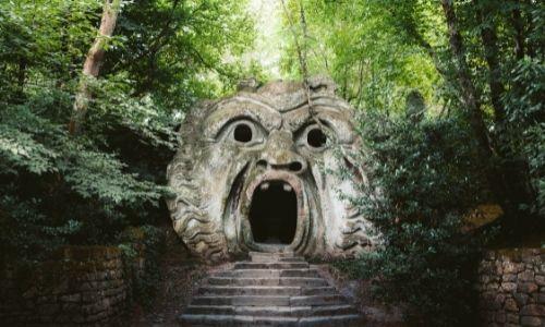 Le parc des Monstres proche de Rome, des sculptures étranges dans les bois