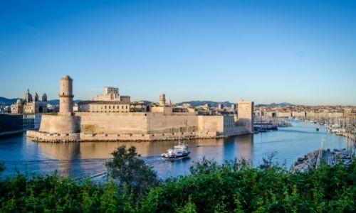 Le Vieux-Port de Marseille baigné du soleil du Sud