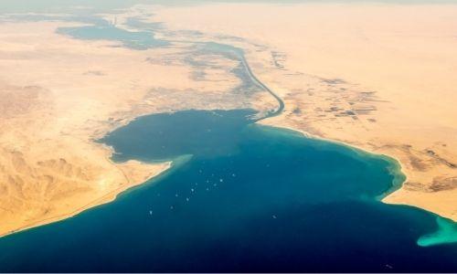 Le canal du Suez en vue aérienne