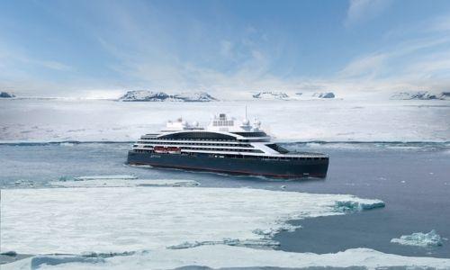 Le Commandant Charcot navigue sur les eaux glacées de la banquise