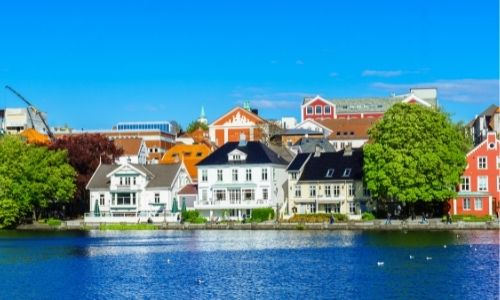 Les berges chaleureuse de la ville de Stavanger